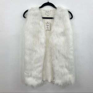 Light Ivory/White Faux Fur and Sweater Vest